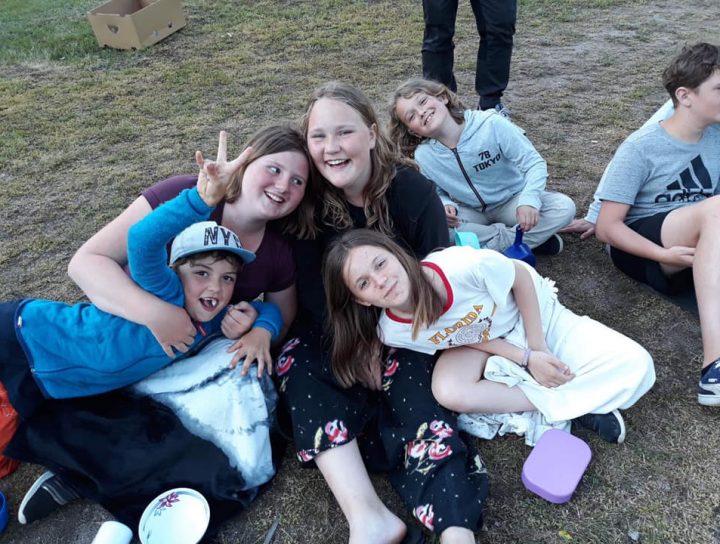 Scouter på Kisa scoutkårs sommarläger Grönebo Survive 2019