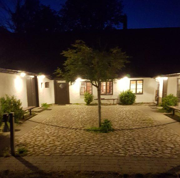 Grönby hage-innergården-kväll